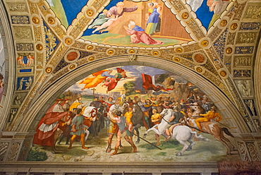 The Meeting of Leo I and Attila by Raphael, in the Stanze di Raffaello, in the Apostolic Palace in the Vatican, Vatican Museums, Rome, Lazio, Italy, Europe