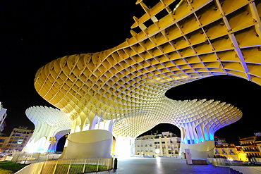 Metropol Parasol, known as Setas de Sevilla (The Mushroom), the world's largest wooden structure, Seville, Andalucia, Spain, Europe