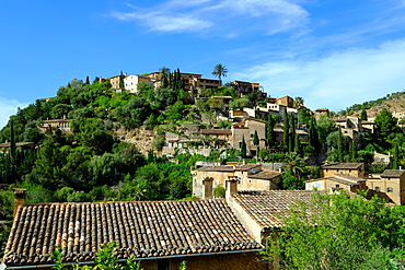 Deia village, Tramuntana Mountain Range, Majorca, Balearic Islands, Spain, Europe