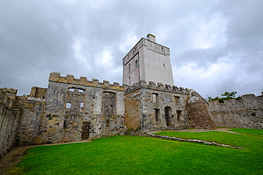 Doe Castle at Sheephaven Bay near Creeslough, County Donegal, Ulster, Republic of Ireland, Europe