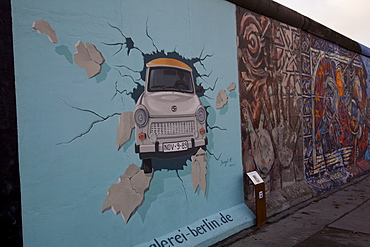 Berliner Mauer, East Side Gallery on Muhlenstrasse, Berlin, Germany, Europe