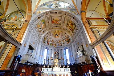 Interior, Verona Cathedral, Verona, Veneto, Italy, Europe