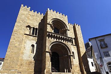 Portal of the Old Cathedral (Se Velha), a Romanesque place of worship begun in 1162, Coimbra, Beira Litoral, Portugal, Europe