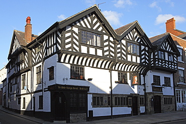 The Olde King's Head, a British pub, dating from the 17th century, with a half-timbered facade, in Chester, Cheshire, England, United Kingdom, Europe