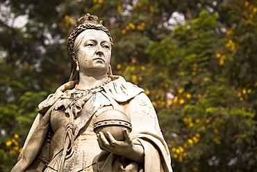 Statue of Queen-Empress Victoria in Cubban Park in central Bangalore, Karnataka, India, Asia