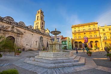 Plaza de San Francisco de Asis, La Habana Vieja (Old Havana), UNESCO World Heritage Site, Havana, Cuba, West Indies, Caribbean, Central America