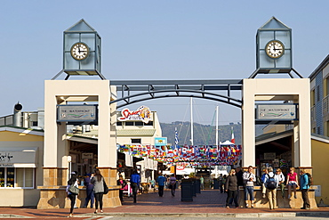 Entrance to Knysna Quays on the Garden Route, Western Cape, South Africa, Africa