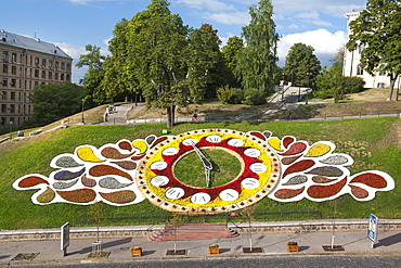 The floral clock that overlooks Independence Square (Maidan Nezalezhnosti) in Kiev, Ukraine, Europe