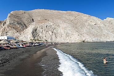 Perissa beach and Messavouno mountain on the Greek island of Santorini, Cyclades, Greek Islands, Greece, Europe