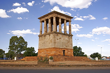 The Honoured Dead Memorial in Kimberley in the Northern Cape Province of South Africa. Designed by Sir Herbert Baker, it commemorates those who died in the siege of Kimberley during the Boer War (1899-1900)