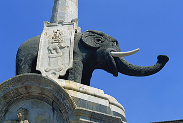 An 18th century fountain with lava elephant and Egyptian obelisk, Piazza del Duomo, Catania, Sicily, Italy, Europe