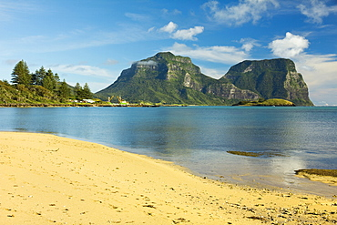 Old Settlement Bay and Mount Lidgbird on left and Mount Gower by the lagoon with the world's most southerly coral reef, volcanic island in the Tasman Sea, Lord Howe Island, UNESCO World Heritage Site, New South Wales, Australia, Pacific