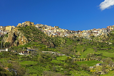 Cesaro, a town perched in a stunning location in the northwest highlands west of Mount Etna, Cesaro, Messina Province, Sicily, Italy, Mediterranean, Europe