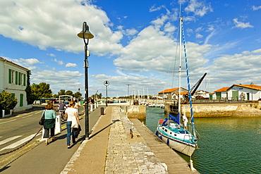 Marina at Quai de La Criee in the island's principal western town, Ars en Re, Ile de Re, Charente-Maritime, France, Europe