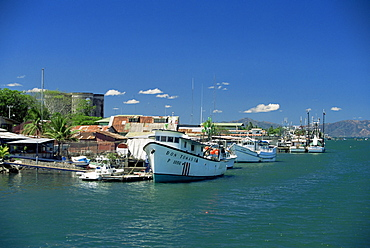 Fishing boats at Puntarenas on the mainland coast of the Gulf of Nicoya, north west area, Costa Rica, Central America