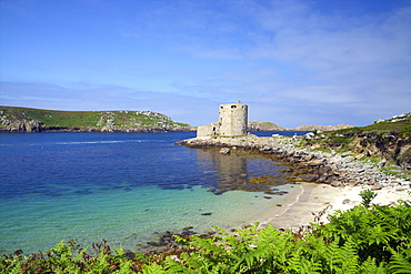 Cromwell's Castle in summer sunshine, Isle of Tresco, Isles of Scilly, United Kingdom, Europe