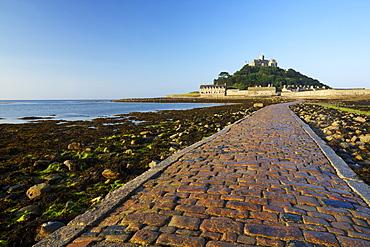 Causeway to St. Michaels Mount, Penzance, Cornwall, England, United Kingdom, Europe