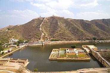 Kesar Kyari Bagh gardens, Maota Lake, Amber Fort, Jaipur, Rajasthan, India, Asia
