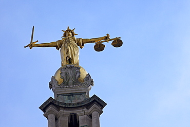 Statue of Lady Justice with sword, scales and blindfold, Old Bailey, Central Criminal Court, London, England, United Kingdom, Europe