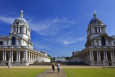 Visitors enjoy summer sunshine, Old Royal Naval College, built by Sir Christopher Wren, Greenwich, UNESCO World Heritage Site, London, England, United Kingdom, Europe