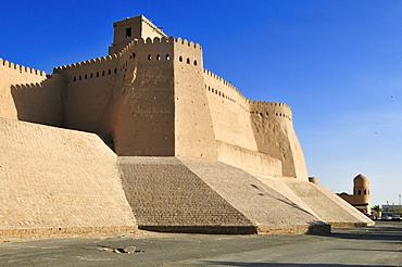 Historic city walls near Ota Darvoza city gate, Khiva, Chiva, Silk Road, Unesco World Heritage Site, Uzbekistan, Central Asia