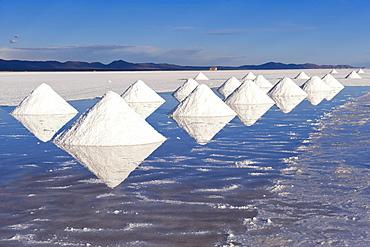 Salt cones, Salar de Uyuni, Potosi, Bolivia, South America