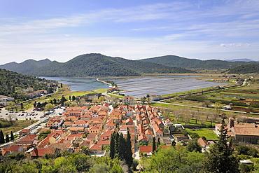 Town of Ston, the salt marshes at back, Peljesac peninsula, Croatia, Europe