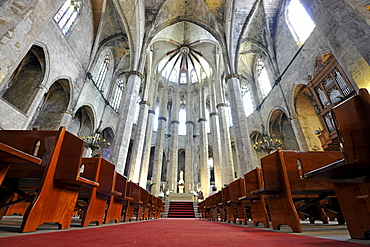 Interior, Gothic church of Santa Maria del Mar, nave, choir, La Ribera, Barcelona, Catalonia, Spain, Europe