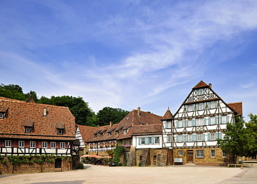 Kameralamt, old German term for Ministry of Finance, monastery courtyard with half-timbered houses, Maulbronn Monastery, Cistercian Abbey, UNESCO World Heritage Site, Kraichgau, Baden-Wuerttemberg, Germany, Europe