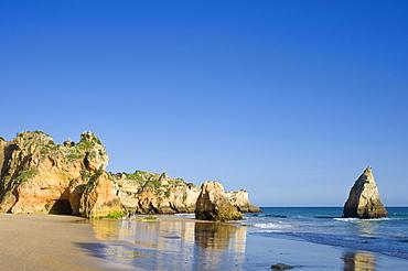 Praia dos Tres Irmaos beach, Alvor, Algarve, Portugal, Europe
