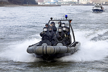 Special police unit operational rehearsal, accessing a passenger ship on the Rhine River, North Rhine-Westphalia, Germany, Europe