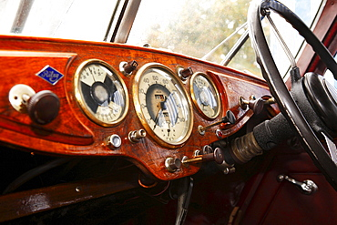 Vintage car, Riley, cockpit