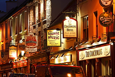 Henry Street at night, Kenmare, Ring of Kerry, County Kerry, Ireland, British Isles, Europe