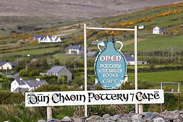 Pottery and cafe, Dunquin, Dingle Peninsula, County Kerry, Ireland, British Isles, Europe
