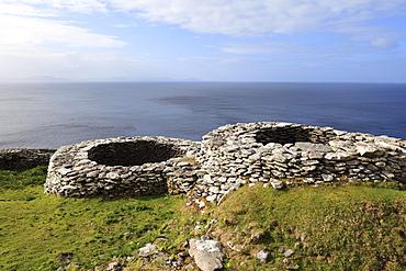 Glenfahan Beehive Huts, Slea Head, Dingle Peninsula, County Kerry, Ireland, British Isles, Europe