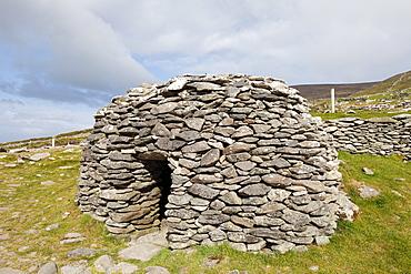 Glenfahan Beehive Hut, Slea Head, Dingle Peninsula, County Kerry, Ireland, British Isles, Europe