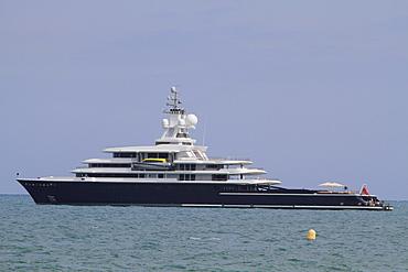 Motor yacht Luna, Lloyd shipyard, length 115 m, built in 2010, lying off Antibes, Departement Alpes Maritimes, Region Provence Alpes Cote d'Azur, France, Europe