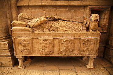 Tomb in the cathedral Santa Maria Maior de Lisboa or Lisbon Cathedral, Lisbon, Portugal, Europe