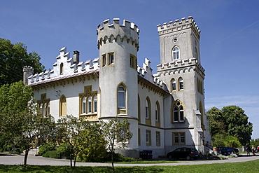 Schloss Benzenhofen Castle, Community of Berg, Ravensburg district, Upper Swabia, Baden-Wuerttemberg, Germany, Europe
