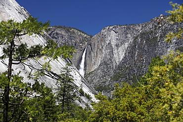 Yosemite Falls seen from the John Muir Trail, Yosemite National Park, California, USA