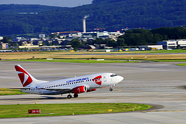 Boeing 737-500 from Czech Airlines during take-off, Zurich Airport, Switzerland, Europe