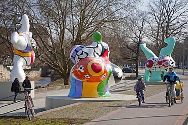 Nanas by Niki St. Phalle, Leibnizufer, Hannover, Lower Saxony, Germany, Europe