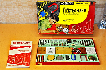 Electronic toy box, exhibition of the Favourite Technologies of the 1950s, Deutsches Museum, Munich, Bavaria, Germany, Europe