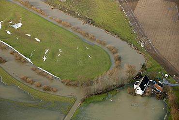 Aerial view, river Lippe restoration, river bend, house in high water, Hamm, Lippetal, Ruhrgebiet area, North Rhine-Westphalia, Germany, Europe