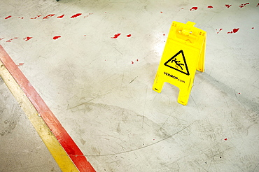 Caution slippery, VERMOP warning sign