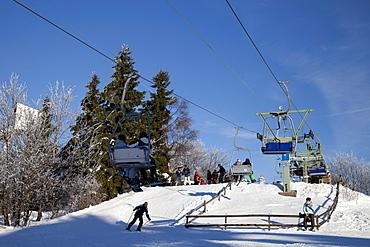 Chair lift, Herrloh skiing area, Winterberg, Sauerland region, North Rhine-Westphalia, Germany, Europe