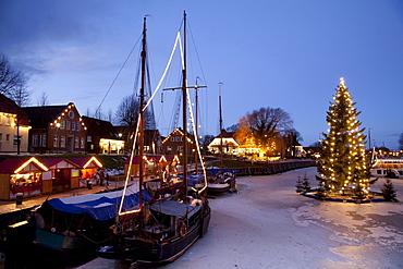Museumshafen, museum harbour, with Christmas lights, North Sea resort of Carolinensiel, Wittmund region, North Sea, East Frisia, Lower Saxony, Germany, Europe