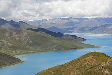 Yamdrok Lake, Tibet, China, Asia