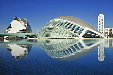 Palau de les Arts Reina Sofia, opera building at back, and L'Hemisferic, Imax cinema and planetarium at front, Ciudad de las Artes y las Ciencias, City of Arts and Sciences, designed by Spanish architect Santiago Calatrava, Valencia, Comunidad Valenciana,