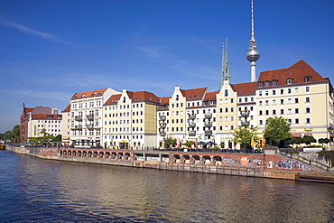 Nikolaiviertel, Nikolai Quarter, and River Spree, Berlin, Germany, Europe
